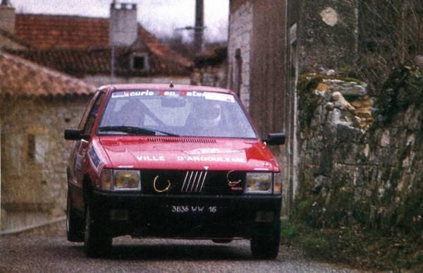 Histo Quercyech Avril F on Red Fiat Uno Turbo